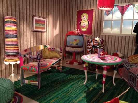 """gestricktes Zimmer 2 für das Maus-Video """"Irgendwas ist immer"""""""